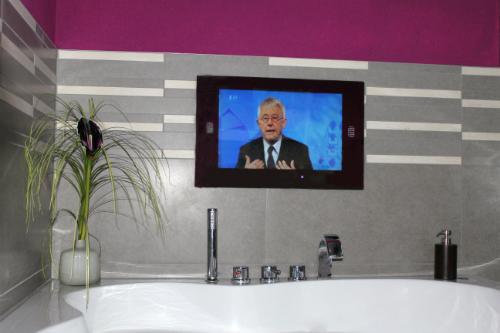 Badezimmer TV Beispiele
