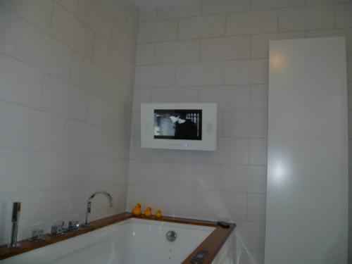 Led spiegel tv badkamertv